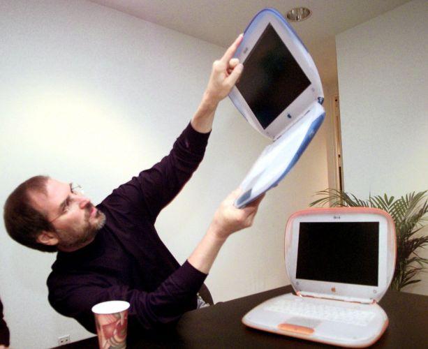 Conheça a trajetória profissional de Steve Jobs Stevejobs_trajetoria_f_020
