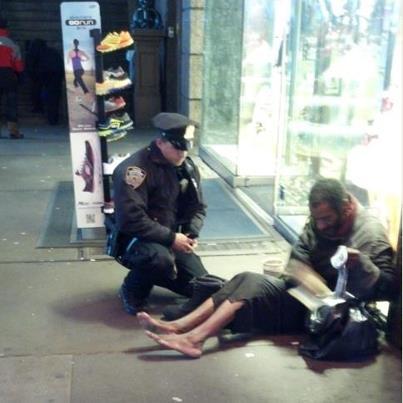 Ljudska dobrota Random-act-of-kindness-NYPD