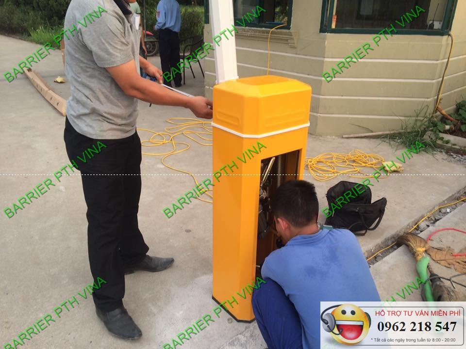 dịch vụ sửa chữa barrier tốc độ 1.5s dùng cho bãi giữ xe Lap-dat-barrier-tu-dong(1)