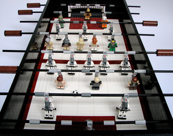 L'actualité Lego - Page 2 030110_rg_LEGOFoosball_01