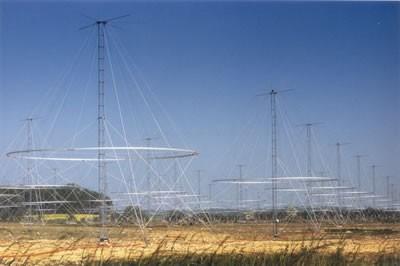 Les différents types d'avions dans le monde Reseau-antennes-transhorizon-Nostradamus