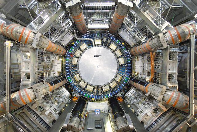 Le boson de Higgs annonce une fin cataclysmique pour l'Univers LHC-ATLAS-detecteur