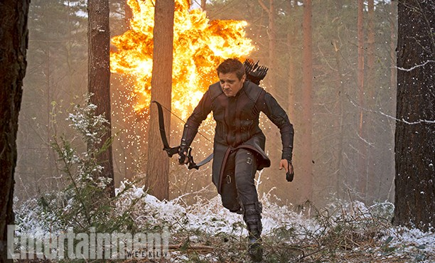 Marvel Cinematic Universe: The Avengers y más. - Página 36 The-Avengers-2-Age-of-Ultron-Photo-EW-Hawkeye-612x370