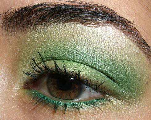 Galleria immagini make up Makeup-031809-side2