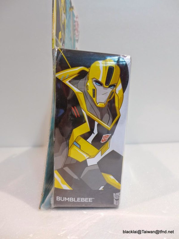 Jouets de TF Robot In Disguise (2015) Bumblebee-04__scaled_600