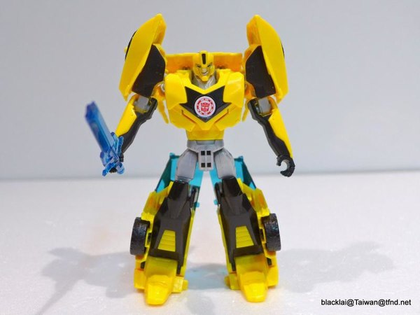 Jouets de TF Robot In Disguise (2015) Bumblebee-05__scaled_600