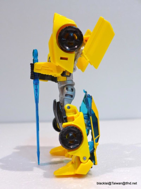 Jouets de TF Robot In Disguise (2015) Bumblebee-13__scaled_600