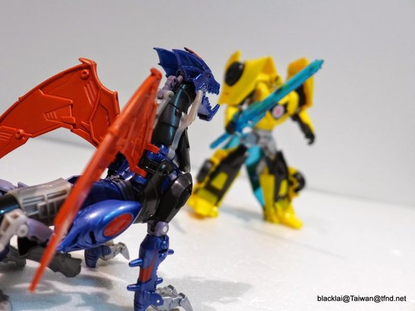 Jouets de TF Robot In Disguise (2015) Bumblebee-15__scaled_600