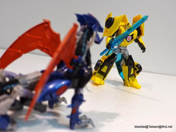 Jouets de TF Robot In Disguise (2015) Bumblebee-16__scaled_600