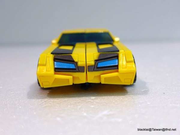 Jouets de TF Robot In Disguise (2015) Bumblebee-18__scaled_600