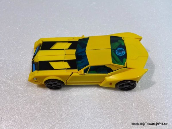 Jouets de TF Robot In Disguise (2015) Bumblebee-21__scaled_600
