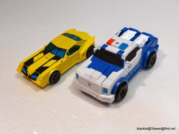 Jouets de TF Robot In Disguise (2015) Bumblebee-22__scaled_600