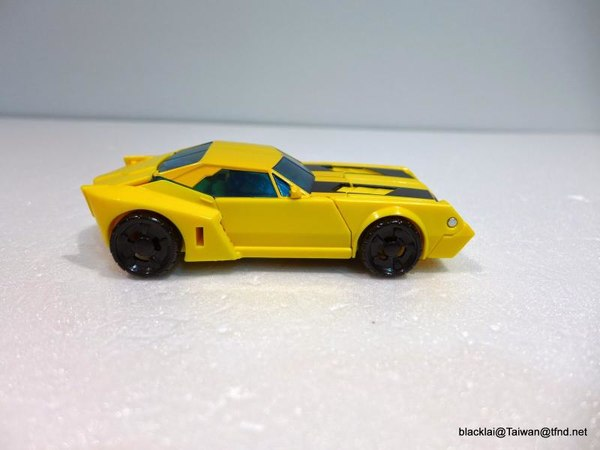 Jouets de TF Robot In Disguise (2015) Bumblebee-25__scaled_600