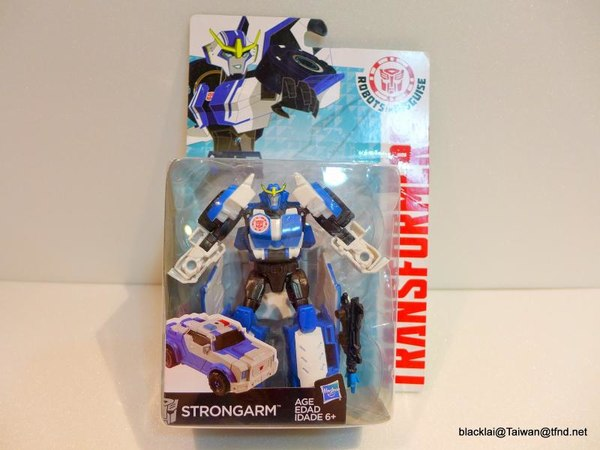 Jouets de TF Robot In Disguise (2015) Strongarm-01__scaled_600
