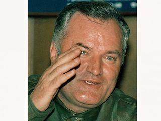 Karadzić,Mladić,Ražnjatavović HQ1pFBUI
