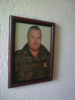 Karadzić,Mladić,Ražnjatavović XILz45tF