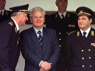 Karadzić,Mladić,Ražnjatavović DJ4GsVTg