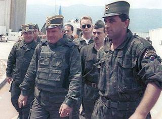 Karadzić,Mladić,Ražnjatavović S1m3EPYZ