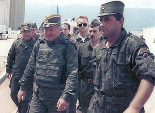 Karadzić,Mladić,Ražnjatavović YF3DrSC1