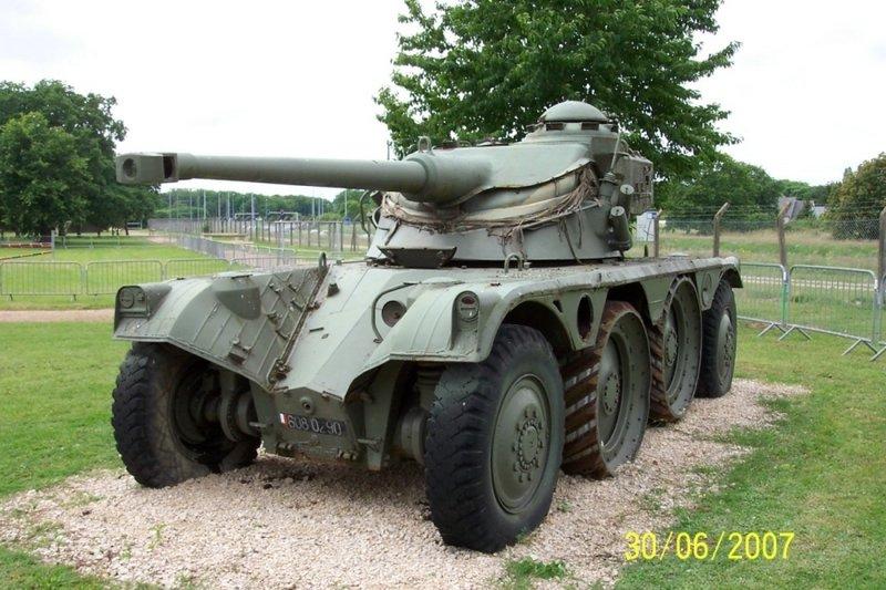 القوات المسلحة التونسية *شامل* Panhard%20EBR-75%20FL-10%20Olivet%203