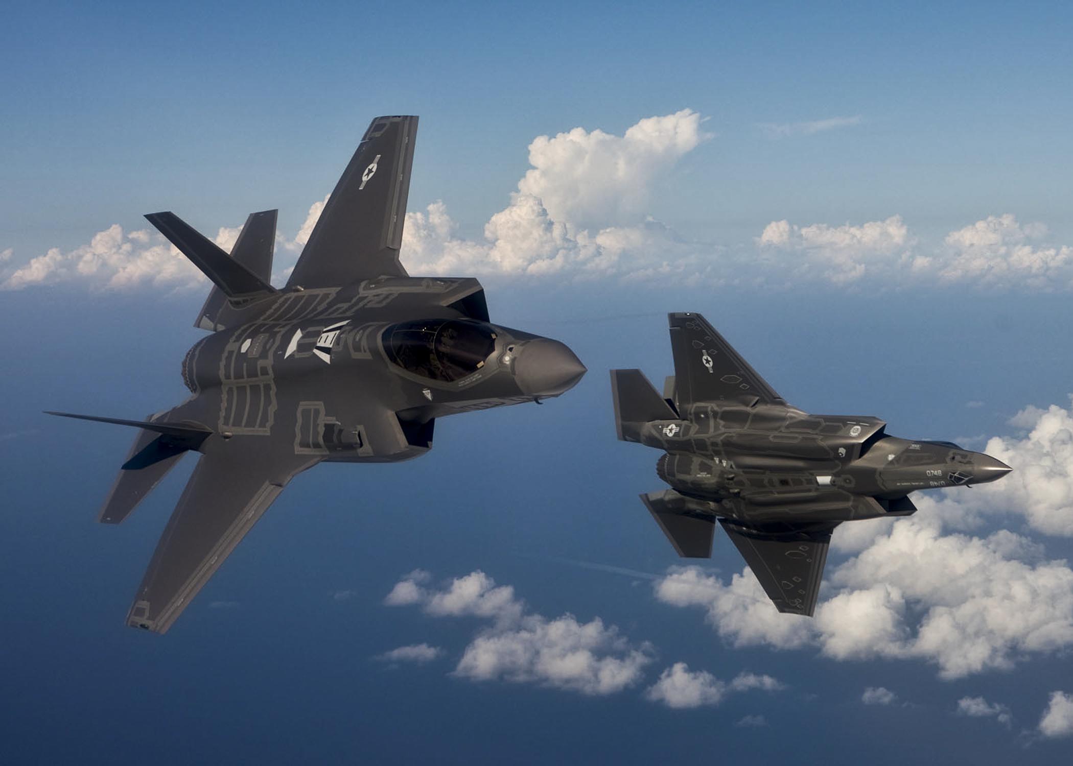 أحسن 10 طائرات بالعالم  F-35