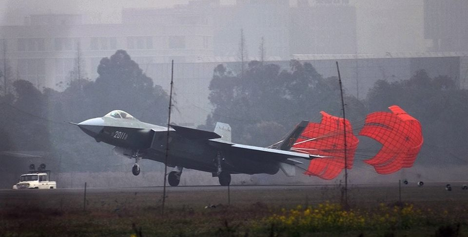 Más detalles del Chengdu J-20 - Página 13 J-20-third-prototype-side