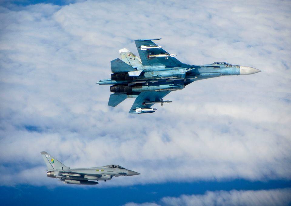 سرب كالينينغراد - أخطر 7 مقاتلات سو 27 في العالم - - صفحة 2 Typhoon-Su-27