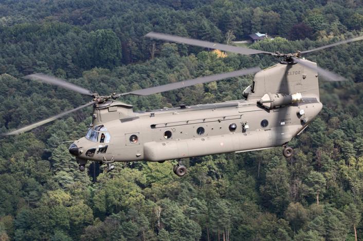 EJERCITO ITALIANO CH-47F-new-706x470