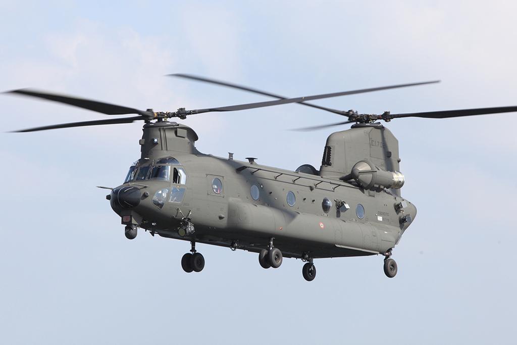 EJERCITO ITALIANO CH-47F-top