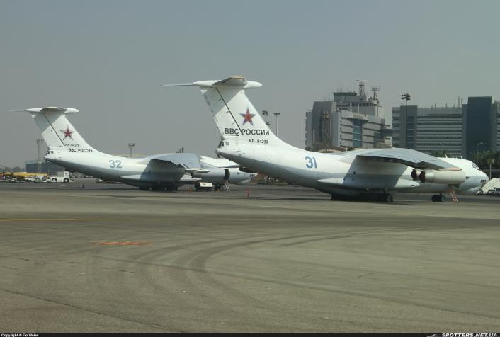 لماذا تم نشر طائرتي تزود بالوقود روسيتين من طراز إليوشين 78 ميداس في مصر؟ هل تتطلع القاذفات الروسية للوصول إلى مياه البحر الأبيض المتوسط؟ Il-78M-Midas-Cairo-706x476