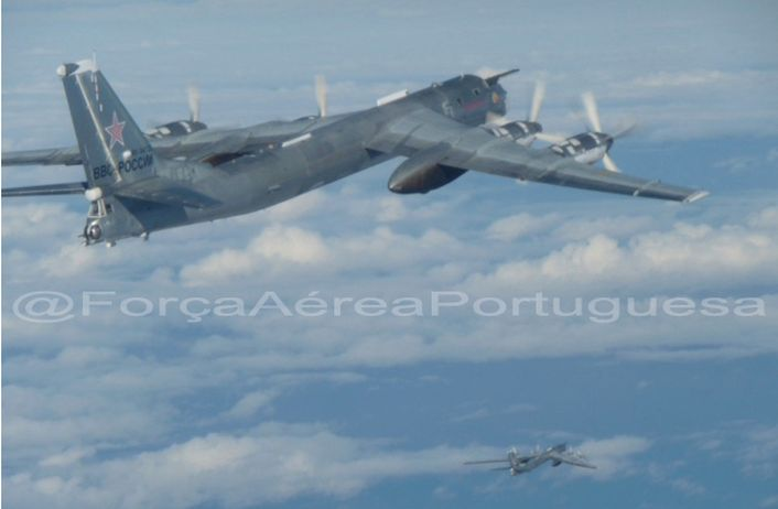 Intercepción Aérea PoAF-intercept-Tu-95-2