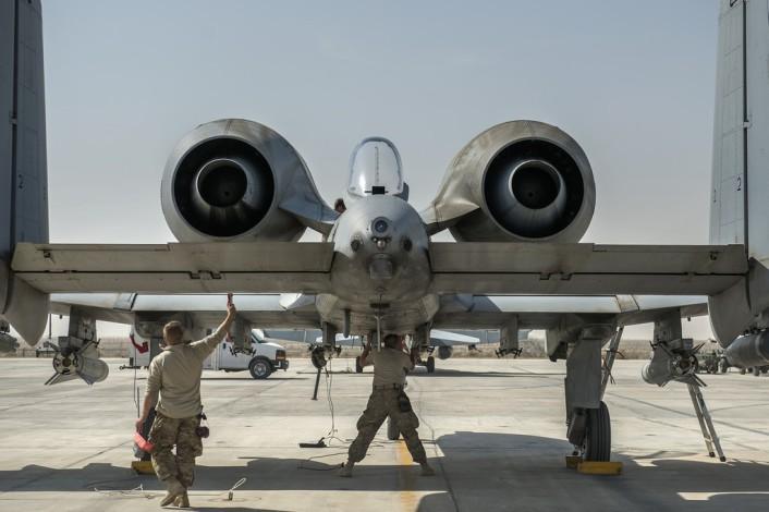 El final del A-10 Jabalí...?? - Página 2 A-10_Kuwait_3-706x470