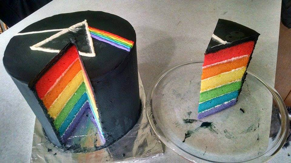 Android Pay The-dark-side-of-the-moon-cake-3-1