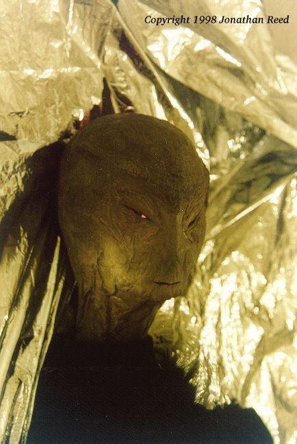 Jonathan Reed, imposteur demasqué depuis longtemps (Imposture) J_Reed_alien2