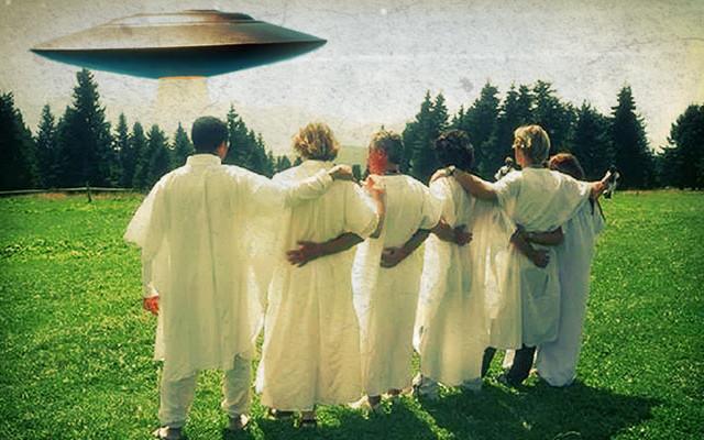 HARVESTED LIKE AN EAR OF CORN : Sounds like an Archon Psyop ? UFO-Cults-640x400