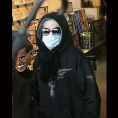 Foto di Michael Jackson con la mascherina - Pagina 2 Micheal-jackson