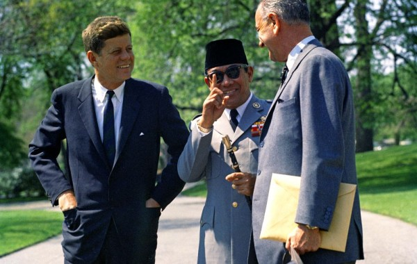 Part 2: The Global Financial System is on the Edge of Shifting JFK-Sukarno-600x380