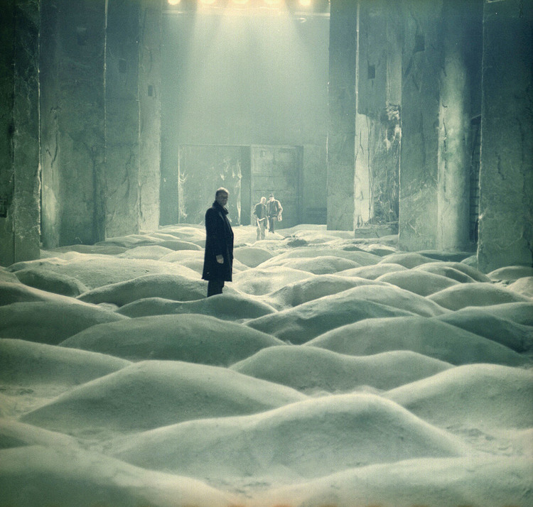 The Vicinity of the Real (Tarkovsky's Stalker) Stalkersnow