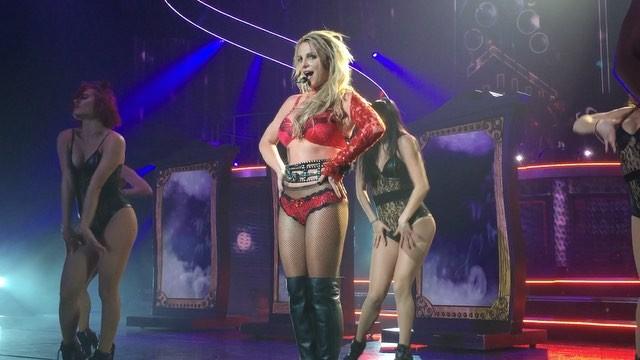 Britney Spears >> Britney: Piece of Me [III] - Página 44 12728467_502255329976513_146868172_n_ig_cache_key3DMTE5MjU4OTkzMzY0NDc0NzkwOQ3D3D