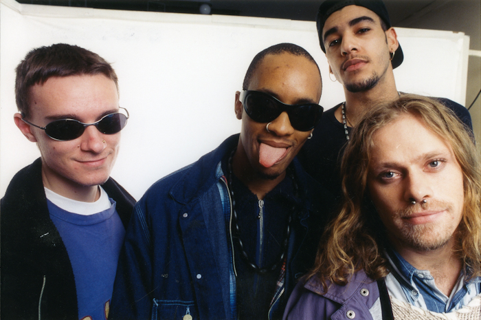 100 canciones: 1994 - Página 3 Hilarious-Interview-from-UXI-1995