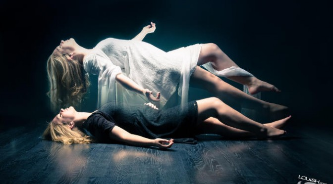 The Secrets of Astral Projection: How to Control Your Out of Body Experiences Out-of-body-experience-672x372