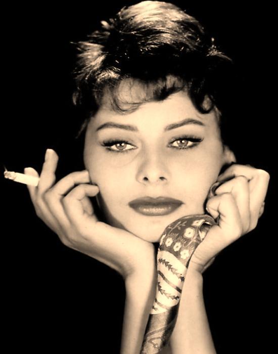 Le estatiche della sigaretta Sophia_Loren_nickname_01