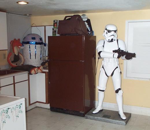 Les collections du net Basement-stormtrooper