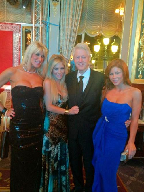 BILL CLINTON POSANDO CON TRES ESTRELLAS PORNO EN MONACO  Bill-clinton-porn-stars