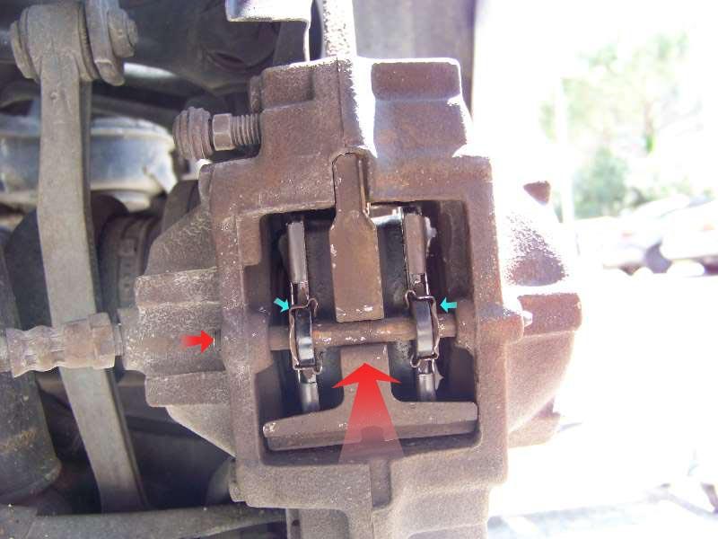 [Tuto] W210 - Changement Plaquettes de frein AR modèle 1 trou 100_1492