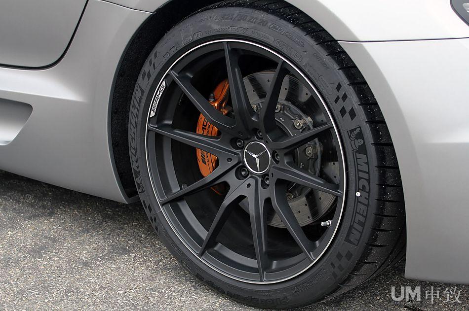 Mercedes SLS AMG Black Series C197_amg_blackseries-13