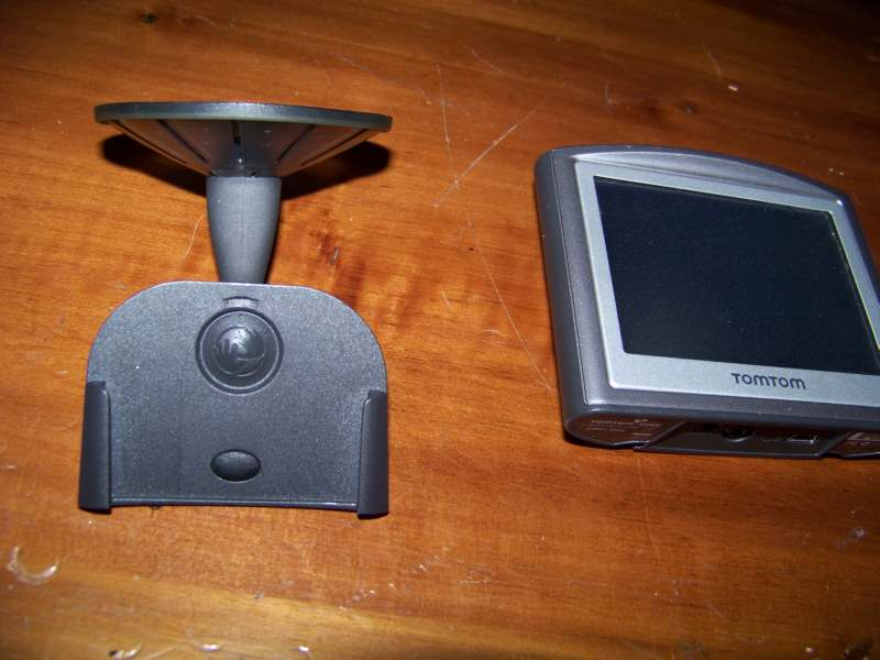 Le Coin des Bricolages ... - Page 7 Support_grille_tomtom-01