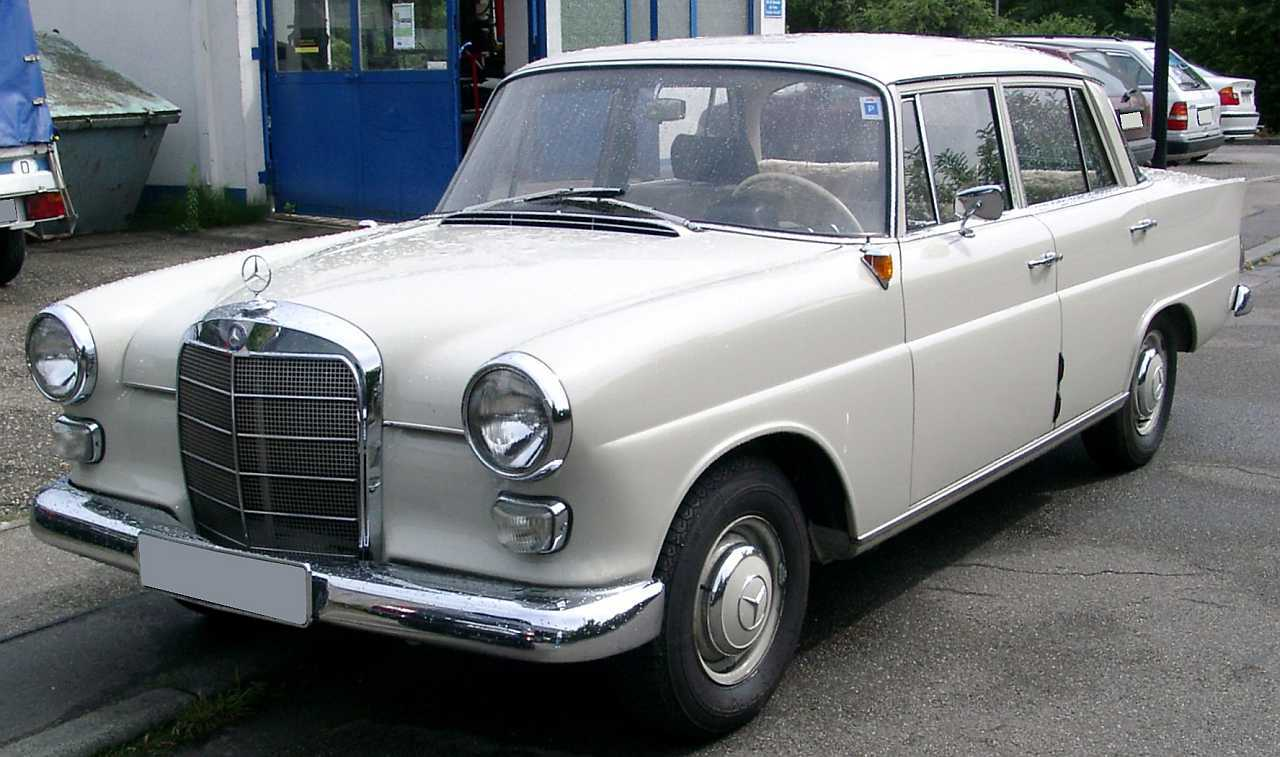 "[Historique] La Mercedes-Benz W110 ""Kleine Heckflosse"" 1961 - 1968 W110_190-1"