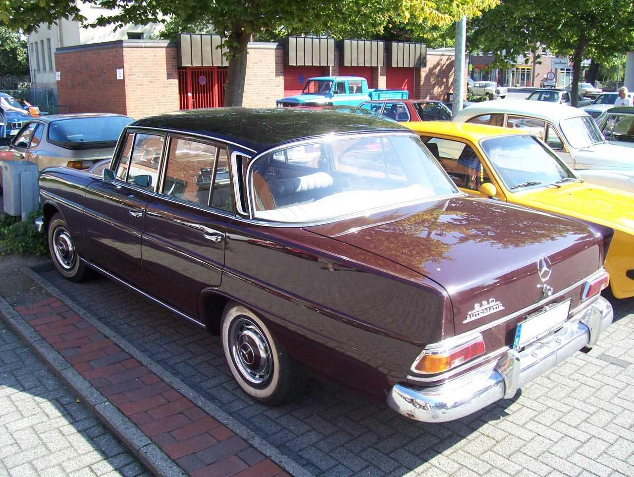 "[Historique] La Mercedes-Benz W110 ""Kleine Heckflosse"" 1961 - 1968 W110_230"