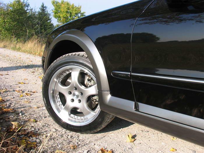 """S211 Mercedes-Benz E50KCC 2005 Le """"Cross Country"""" par Kleemann 2005-mercedes-benz-kleemann-e50-kcc-07"""